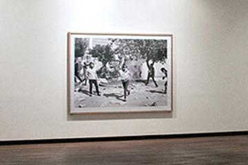 Marco Vitrina Museo con Metacrilato Frontal Suspendido MFS®